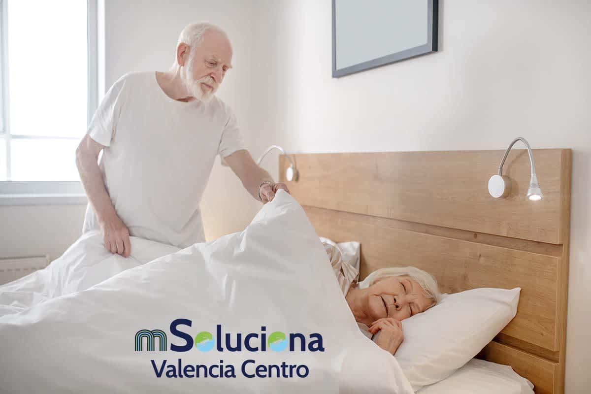 ayuda-domicilio-cuidado-mayores-msoluciona-valencia-centro-aseo-diario
