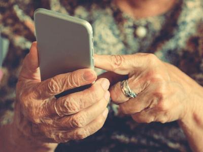 localizar a personas mayores